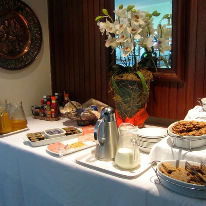 Umtali Country Inn Breakfast